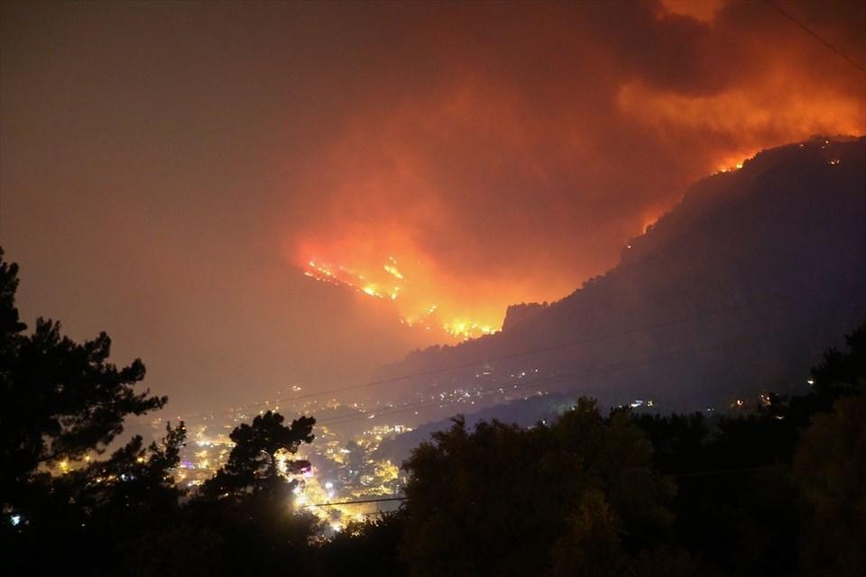 Muğla'daki orman yangını 18. saatinde kontrol altına alındı 1
