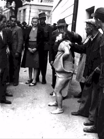 savunmasız kadınları sokakta çırılçıplak soydular 1