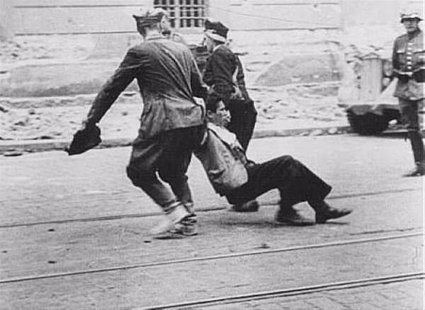 savunmasız kadınları sokakta çırılçıplak soydular 2