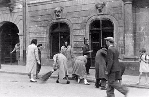 savunmasız kadınları sokakta çırılçıplak soydular 4