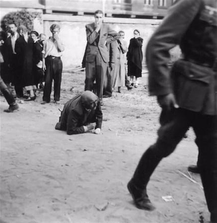 savunmasız kadınları sokakta çırılçıplak soydular 6