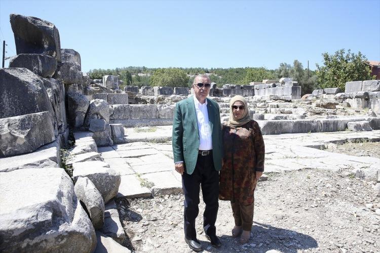 Cumhurbaşkanı Erdoğan Stratonikeia Antik Kenti'ni gezdi 1