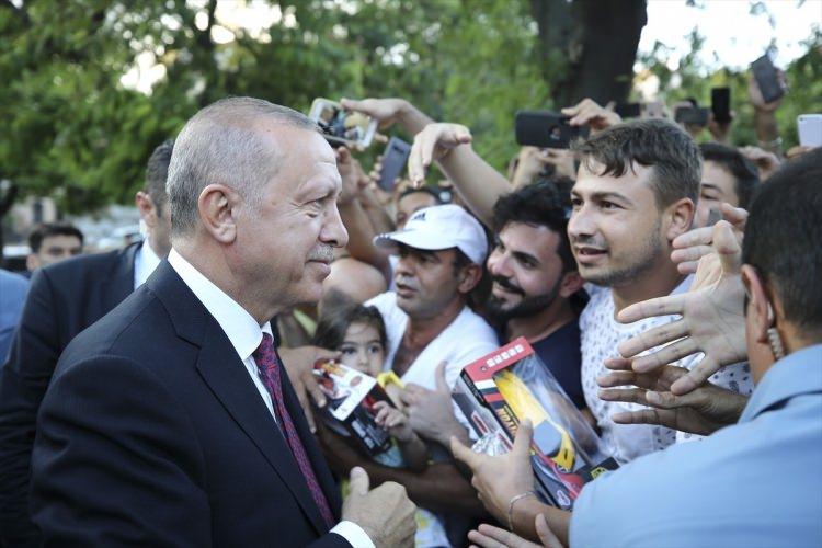 Cumhurbaşkanı Erdoğan, Sultanahmet'te yoğun ilgi ile karşılandı 1