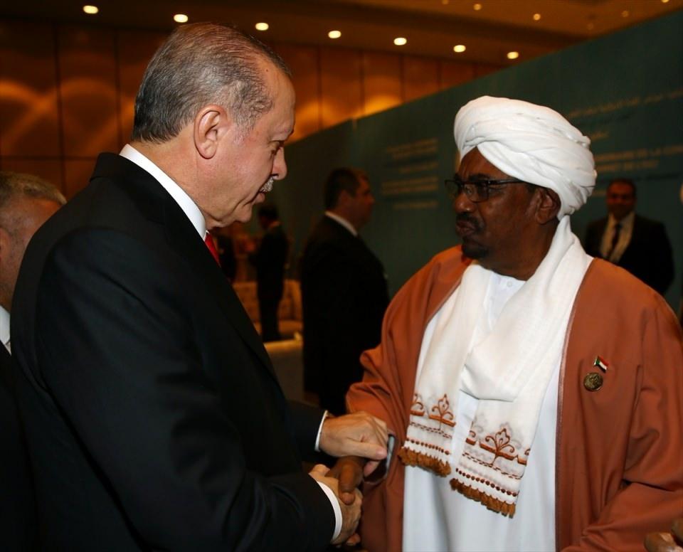 Acil toplanan İslam İşbirliği Teşkilatı Zirvesinin  sürpriz konuğu! 13