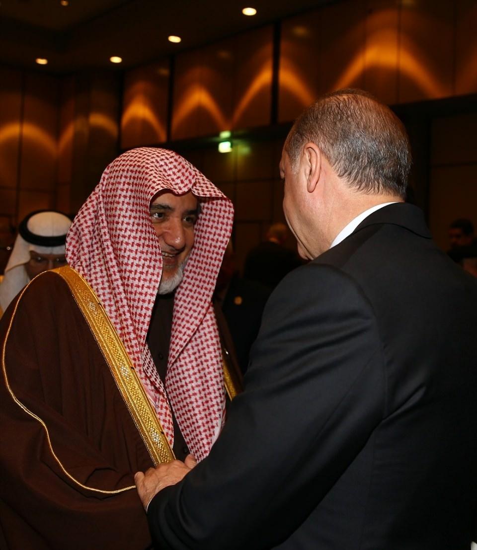 Acil toplanan İslam İşbirliği Teşkilatı Zirvesinin  sürpriz konuğu! 22