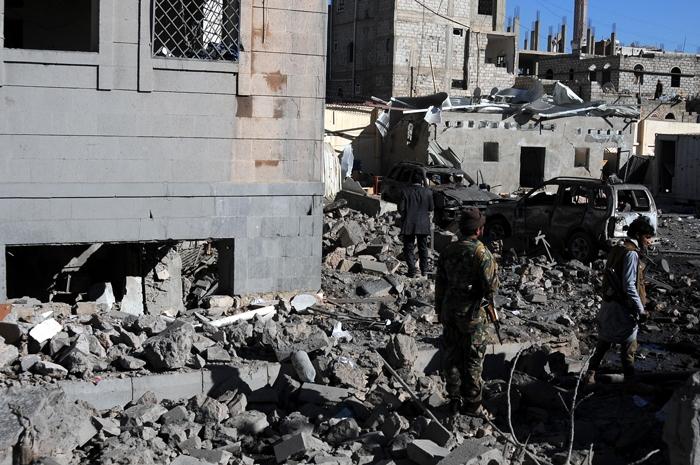 Arabistan Yanlış yerimi vurdu! 51 ölü, 80 yaralı 1