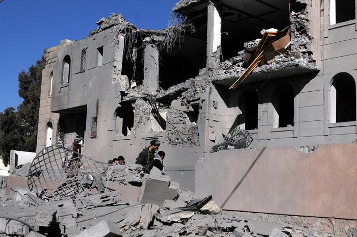 Arabistan Yanlış yerimi vurdu! 51 ölü, 80 yaralı 3