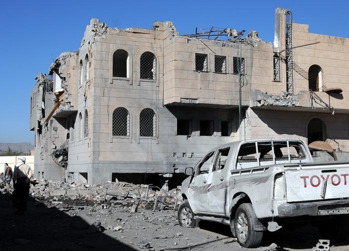 Arabistan Yanlış yerimi vurdu! 51 ölü, 80 yaralı 4