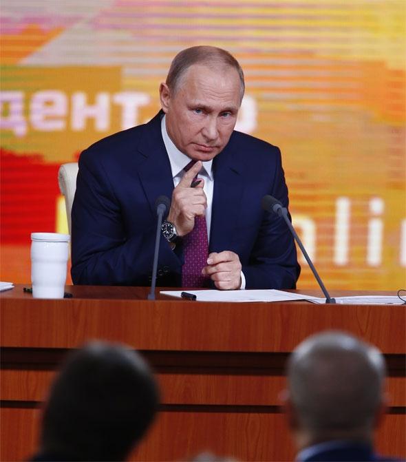 Dikkat Çekmek İçin Putin'in Basın Toplantısnıa Katıldı 3