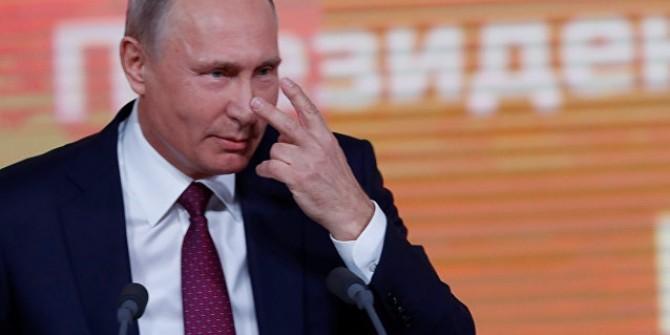 Dikkat Çekmek İçin Putin'in Basın Toplantısnıa Katıldı