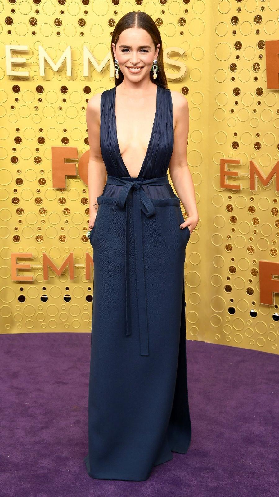 71. Emmy Ödüllerinde ünlü isimler göz kamaştırdı 1