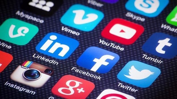 İnsanların ruh sağlığını en çok olmumsuz etkileyen sosyal platform sites 3