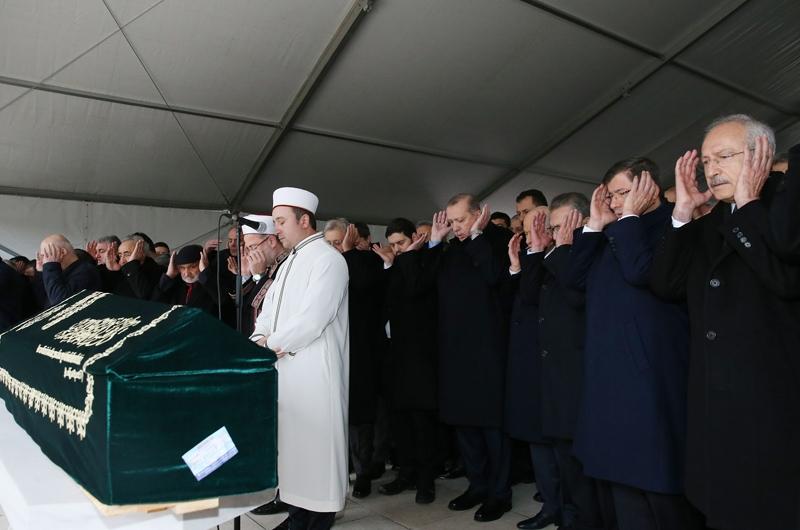 Yavuz Yılmaz'ın cenazesindeki hangi  sürpriz isimler katıldı? 28