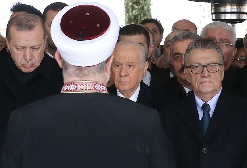 Yavuz Yılmaz'ın cenazesindeki hangi  sürpriz isimler katıldı? 6