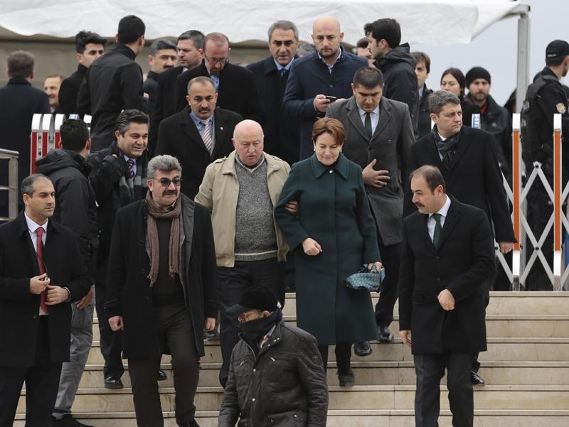 Yavuz Yılmaz'ın cenazesindeki hangi  sürpriz isimler katıldı? 8