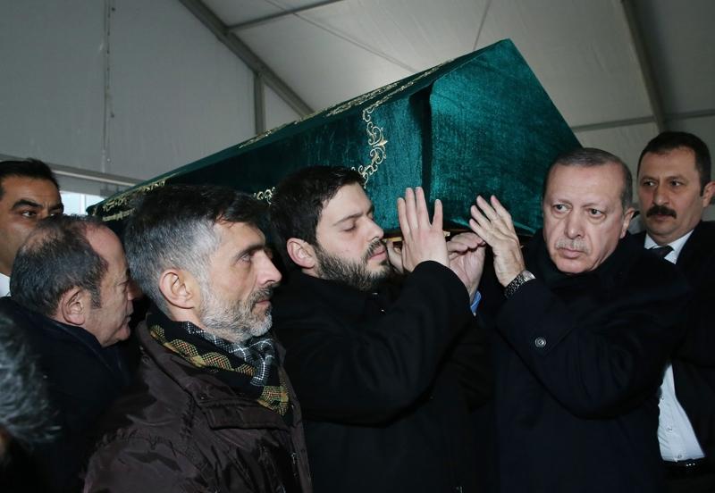 Yavuz Yılmaz'ın cenazesindeki hangi  sürpriz isimler katıldı? 9