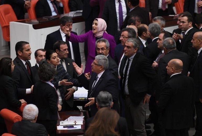 TBMM'de  AK Parti-HDP Arasında Man Adası Gerilimi! 2