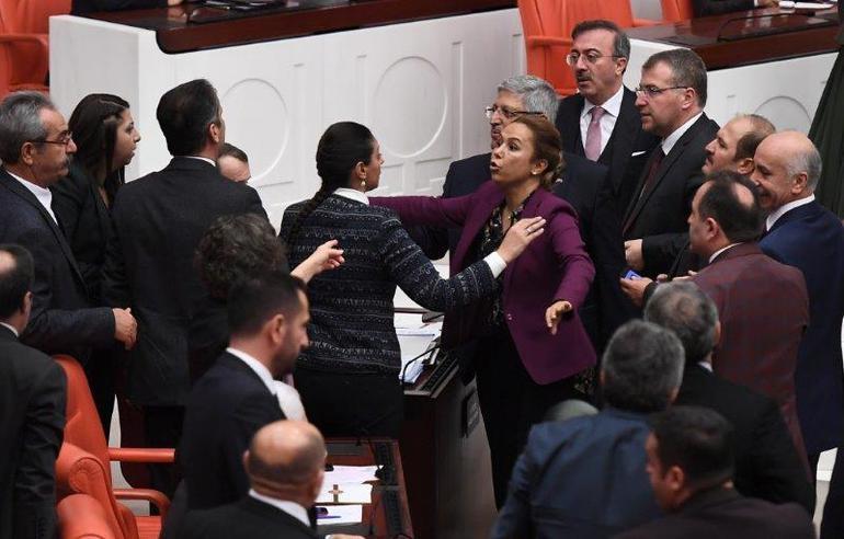 TBMM'de  AK Parti-HDP Arasında Man Adası Gerilimi! 4