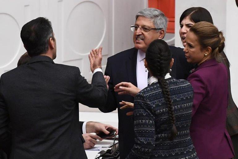 TBMM'de  AK Parti-HDP Arasında Man Adası Gerilimi! 6