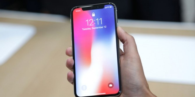 iPhone X, Samsung'u zenginleştirecek!