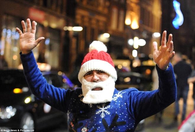 Noel Öncesi Yılbaşı Partilerinde Sınır Aşıldı Skandal Görüntüler 24