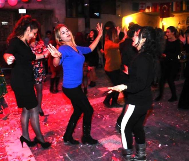 Türkiye 2018'e Nasıl Girdi Çok İlginç Görüntüler 8