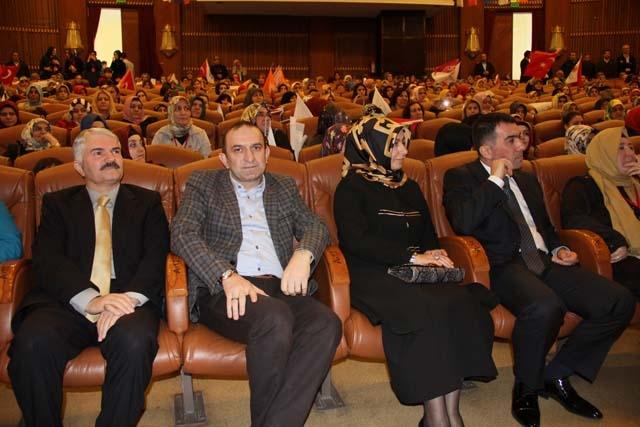 Ak Parti Pendik Kadın Kolları Başkanı Öznur Canayakın oldu 3