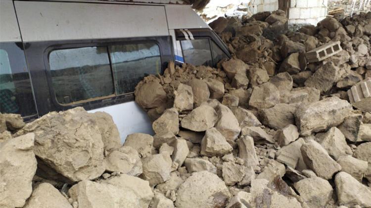 Görüntüler art arda geliyor! İran depremi Van'ı vurdu 1