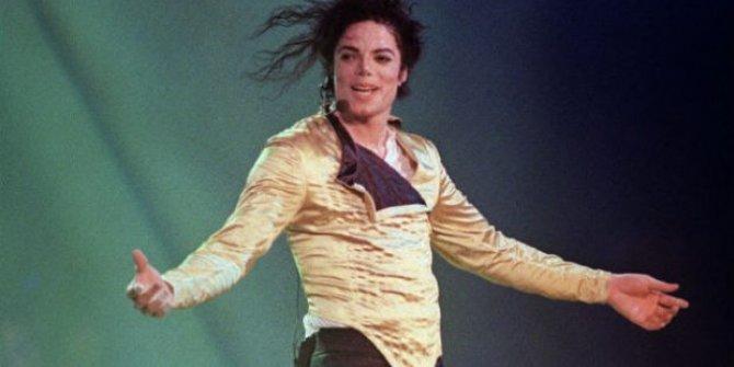 Michael Jackson Yaşıyor mu | Yeni Bir Fotoğrafı Ortaya Çıktı