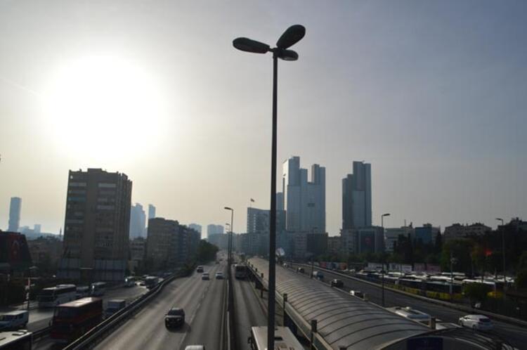 Kısıtlamanın sona ermesiyle İstanbul'da bu sabah hareketlilik başladı 1