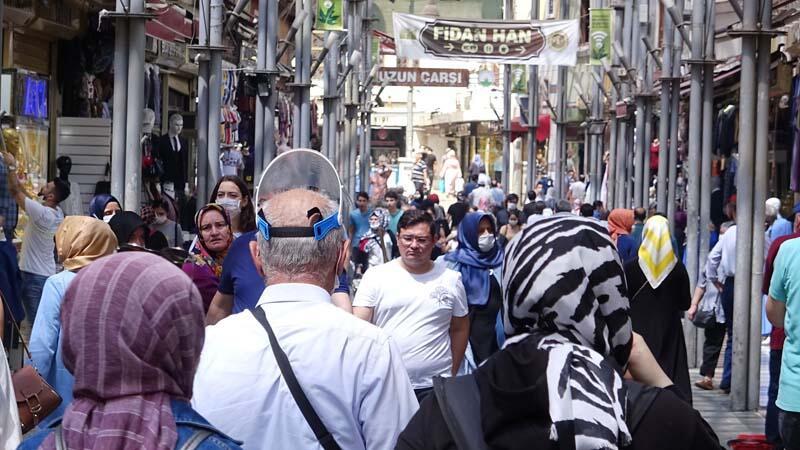 Bursa'dan korkutan manzaralar! Bayram alışverişi koronavirüsü unutturdu 1