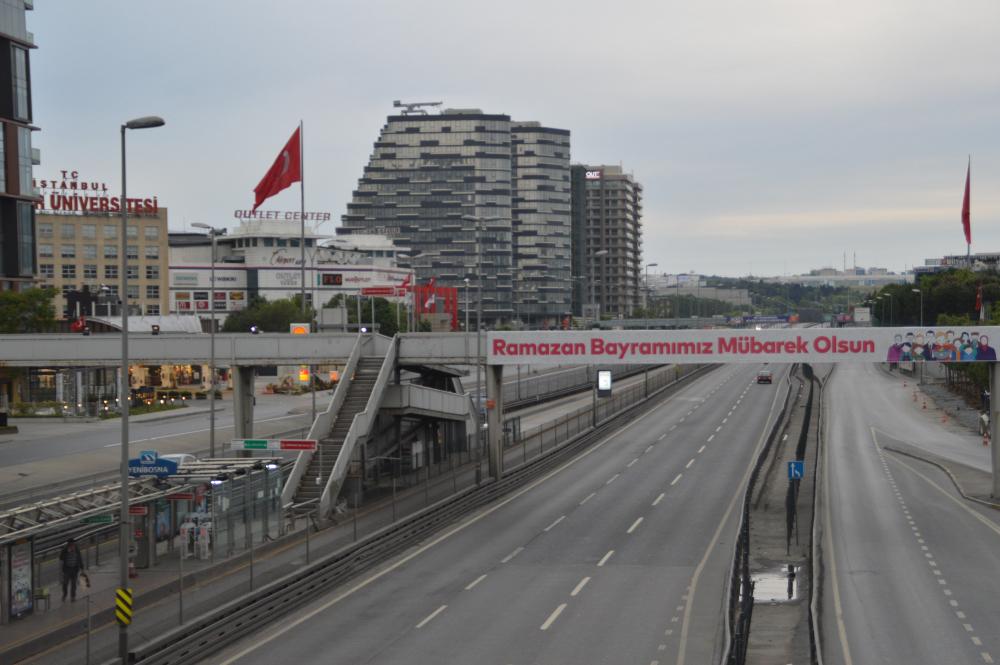 İstanbul'da bayramın ikinci günü de sessizlik sürüyor 1