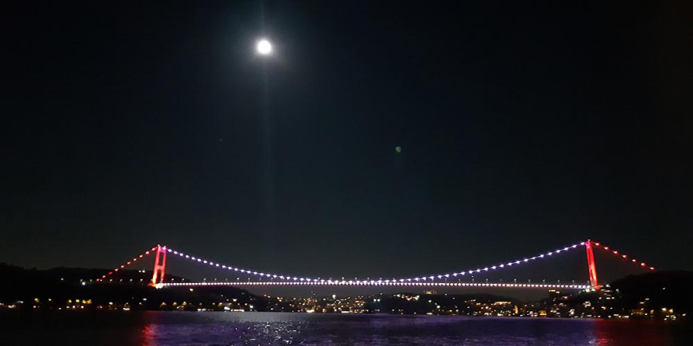 İstanbul'daki dolunay manzarası adeta büyüledi! 1