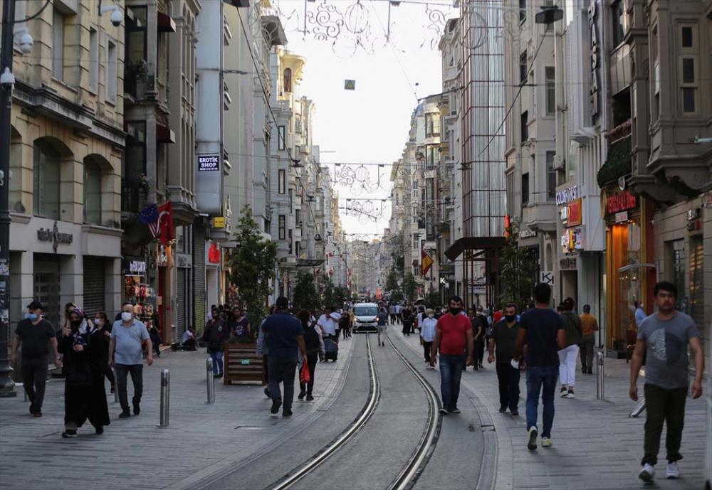 İstanbul yeni normalin ikinci haftasında! Vatandaşlar maskeye alıştı 10