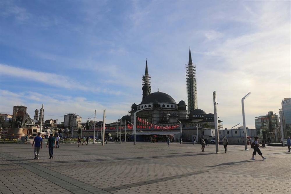 İstanbul yeni normalin ikinci haftasında! Vatandaşlar maskeye alıştı 17