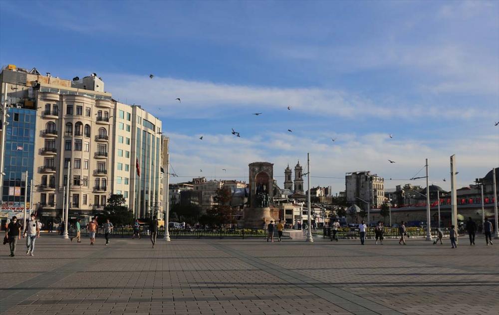 İstanbul yeni normalin ikinci haftasında! Vatandaşlar maskeye alıştı 18