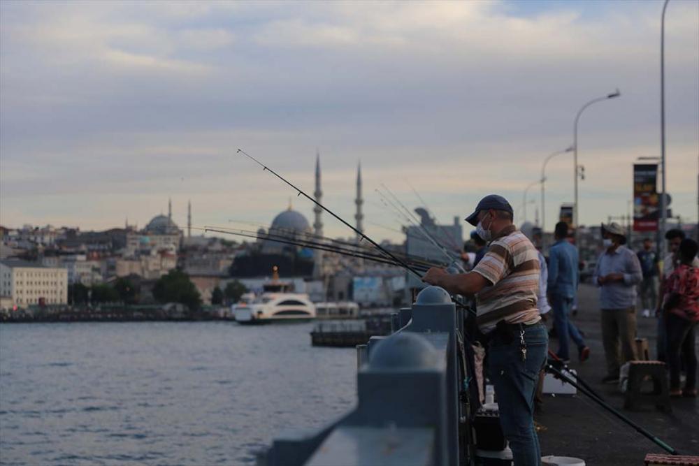 İstanbul yeni normalin ikinci haftasında! Vatandaşlar maskeye alıştı 19