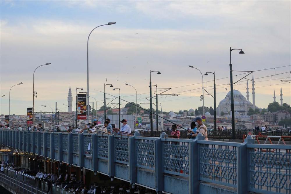 İstanbul yeni normalin ikinci haftasında! Vatandaşlar maskeye alıştı 20
