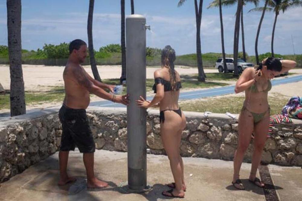Koronavirüsj yasağı kalkınca plaja akın ettiler 17