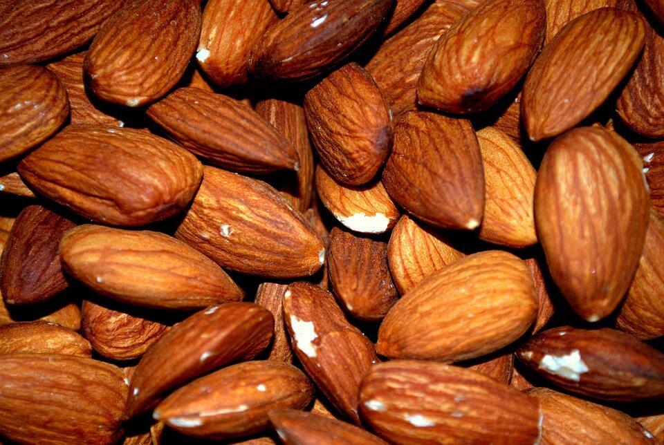 Kalsiyum hangi besinlerden alınır? Kemikleri güçlendiren besinler 4