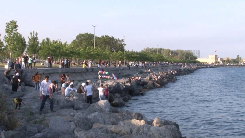 İstanbullular sıcak havayı fırsat bilip sahillere koştu 11