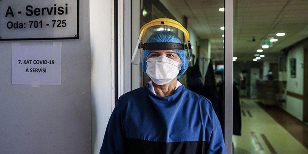 """Bilim Kurulu üyelerinden koronavirüse ilişkin korkutan açıklama: """"Artış devam ederse tedbirler döner"""" 2"""