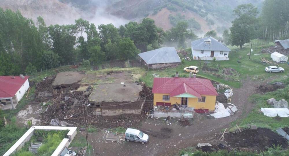 Bingöl'deki şiddetli depremin boyutu gün aydınlanınca ortaya çıktı 8