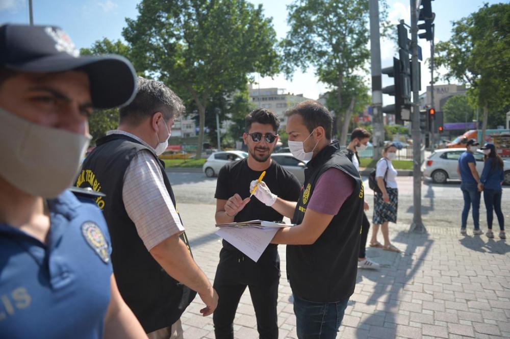 Beşiktaş ve Esenyurt'ta maske denetimi! Takmayı unutanlar cezadan kaçamadı 4