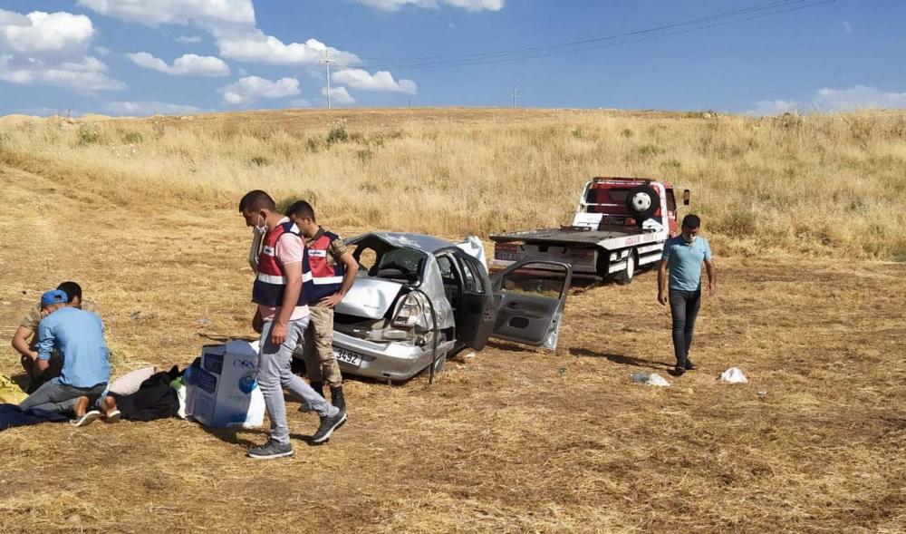 Korkunç kaza! Otomobil hurdaya döndü 4