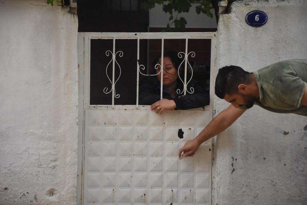 İzmir'i sağanak yağış vurdu! Ev ve iş yerlerini su bastı 12