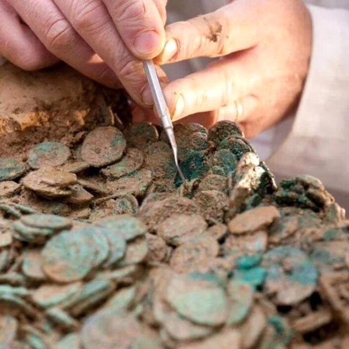 Kazıda bulunan tabuttan çıkanlar hayrete düşürdü! Ağırlığı  250 kg... 4