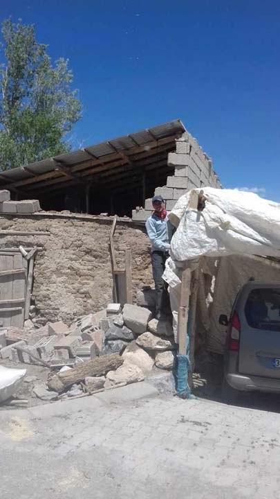 Van'daki depremden görüntüler!Bazı evlerde hasarlar oluştu 5