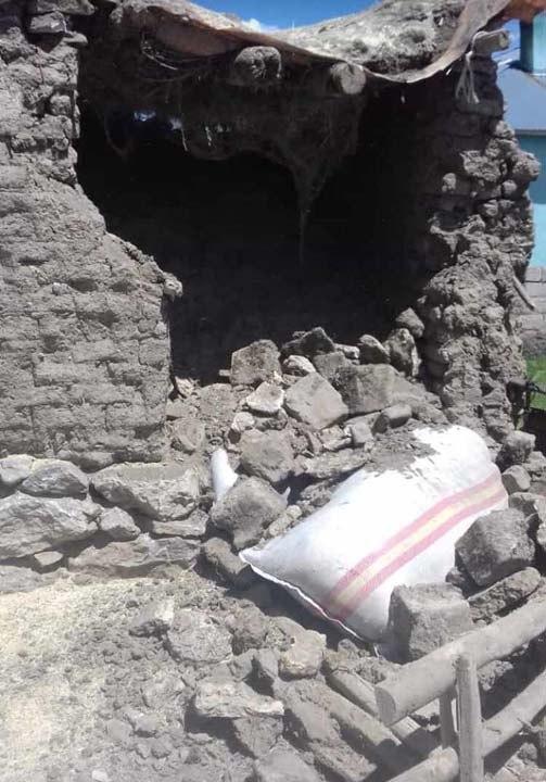 Van'daki depremden görüntüler!Bazı evlerde hasarlar oluştu 6