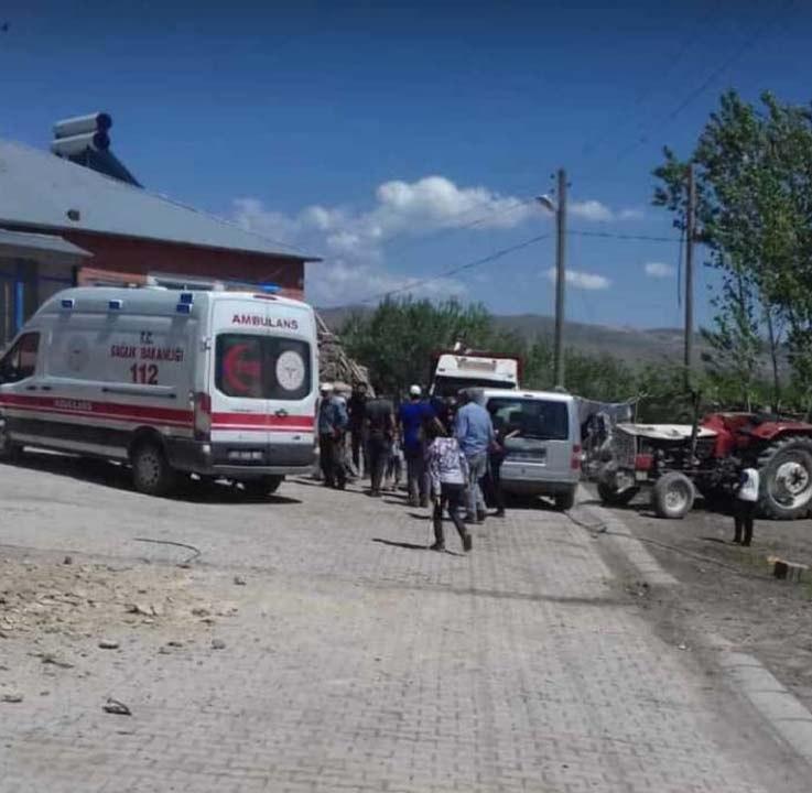 Van'daki depremden görüntüler!Bazı evlerde hasarlar oluştu 8
